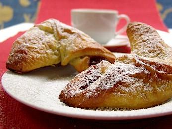 Nuß- oder Mohnkipferl zum Frühstück